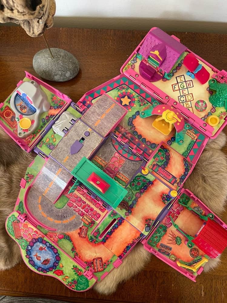 A Pound Puppies Play Sets with colorful designs from Etsy.