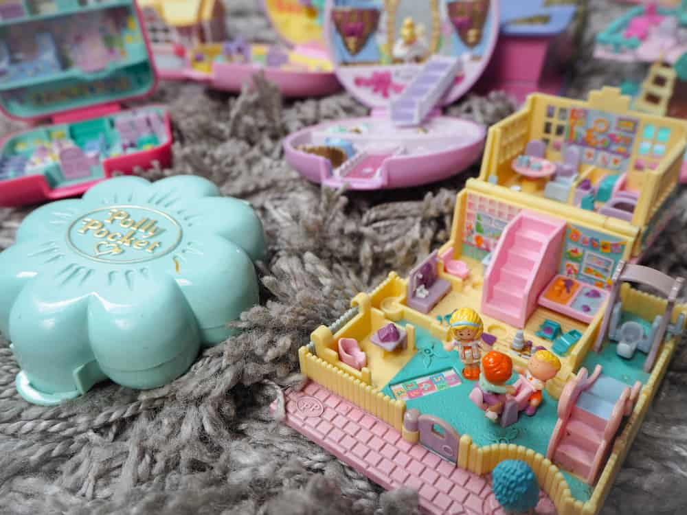 Collection of Polly Pocket's, miniature dollhouses.