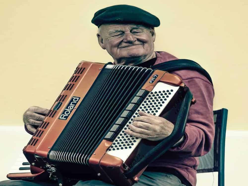 Digital accordion